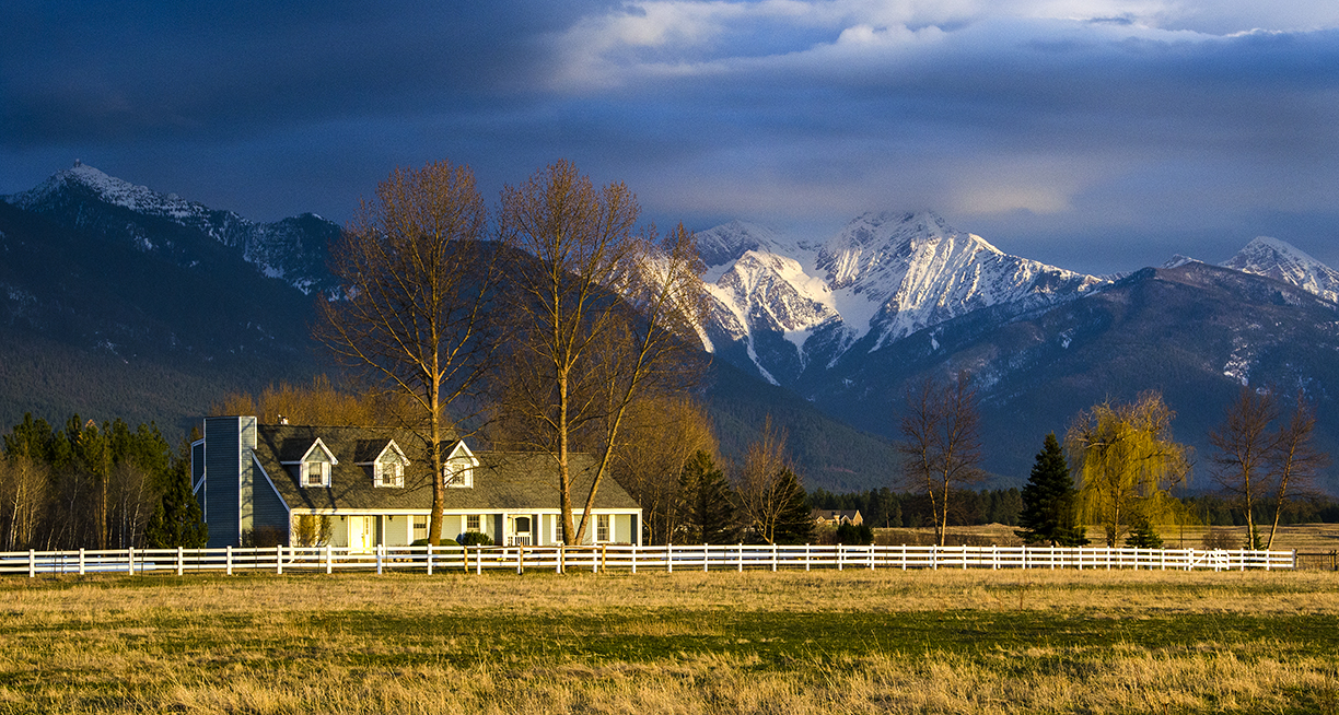 Image gallery montana ranches for Montana ranch house