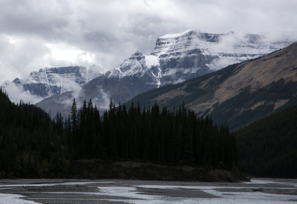 new-snow-in-the-canadian-rockies